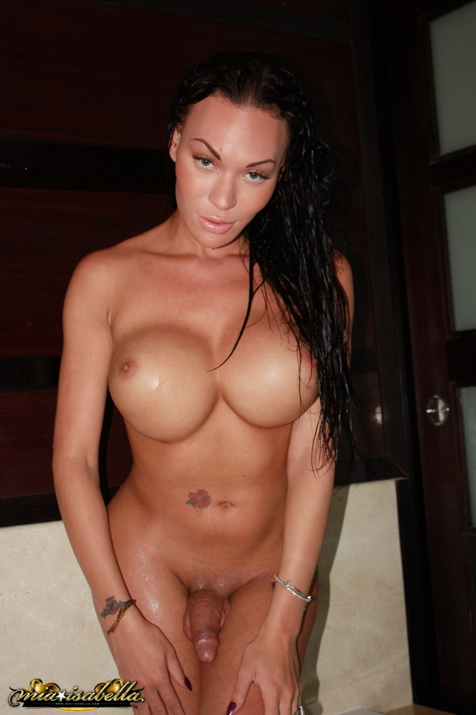 Mia Isabella in the Jacuzzi